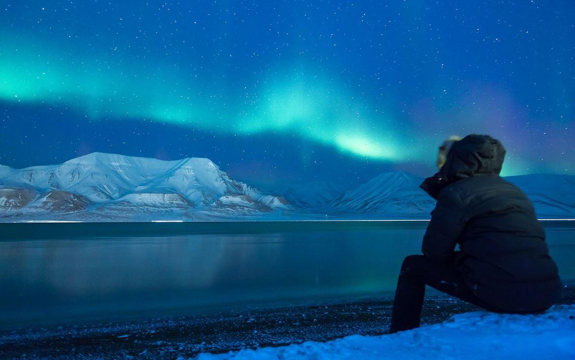 aurora-borealis-snow